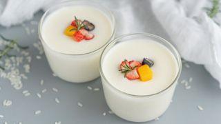 Tận dụng cơm nguội, tôi làm món pudding sữa gạo bé nào cũng thích mê