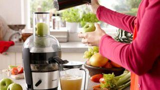 Hướng dẫn sử dụng máy ép trái cây đúng cách