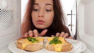 Mẹo hâm nóng thức ăn đúng cách và hiệu quả