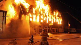 Những điều cần chú ý khi sử dụng đồ điện trong nhà để tránh gây cháy nổ