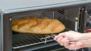 Cách hâm nóng thức ăn bằng lò nướng