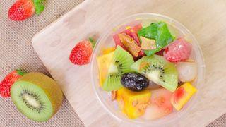 Cách làm trái cây tô tươi mát, thơm ngon, đơn giản, giải nhiệt mùa hè