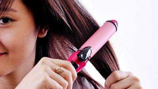 Có nên mua máy tạo kiểu tóc?