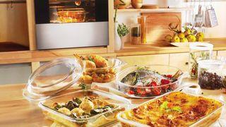 Hộp đựng thực phẩm nào dùng được và không dùng được trong lò nướng