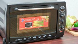 Làm bếp thêm thú vị và tiện lợi với lò nướng đa năng đối lưu Sanaky VH509S