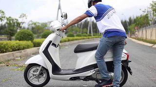 Xe máy điện chết máy, không lên điện: Nguyên nhân và cách khắc phục