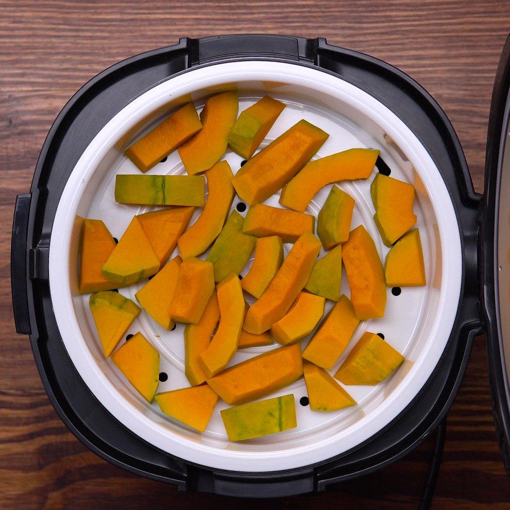 Video] Hướng dẫn chi tiết cách nấu sữa bí đỏ bổ dưỡng thơm ngon dễ làm tại  nhà