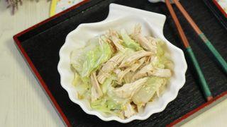 Tôi giảm 3kg trong 2 tuần vì ngày nào cũng làm bắp cải trộn mang đi làm ăn trưa