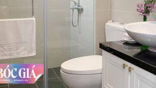 Phòng tắm chỉ vỏn vẹn 7m² cho người độc thân nhưng được chàng trai Sài Gòn đầu tư toàn thiết bị vệ sinh hiện đại, chi phí lắp đặt gần 40 triệu đồng