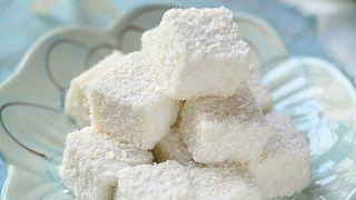 """Sữa dừa viên béo ngậy và ngọt ngào - món ăn vặt siêu dễ làm khiến ai cũng phải """"tan chảy"""" vì quá ngon"""