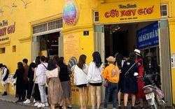 Hay tin bức tường vàng nổi tiếng của tiệm bánh Cối Xay Gió sắp ngừng hoạt động, khách du lịch kéo nhau đến chụp ảnh kỉ niệm đông nghẹt