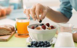 Bạn nên chọn chế độ ăn kiêng low carb hay low fat?