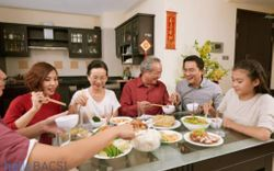 Bí quyết giúp ăn nhiều mà không tăng cân vào dịp Tết