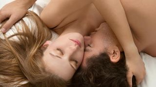 Các tư thế quan hệ bằng hậu môn (anal sex)