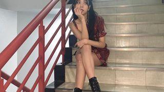 """Jisoo chiều cao khiêm tốn nên giỏi """"đi cà kheo"""", leo lên toàn giày siêu cao gót khiến netizen chóng mặt"""