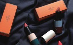 """Review son Hermès limited giá gần 2 triệu mới ra: Sang xịn nhưng đánh không khéo dễ sến, team """"bánh bèo"""" sẽ mê nhất"""