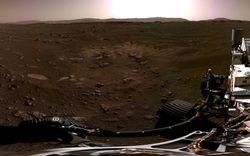 Robot NASA lần đầu tiên chụp ảnh toàn cảnh sao Hỏa