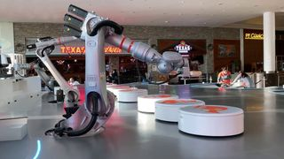 Dubai mở cửa quán cafe tự động hóa hoàn toàn đầu tiên