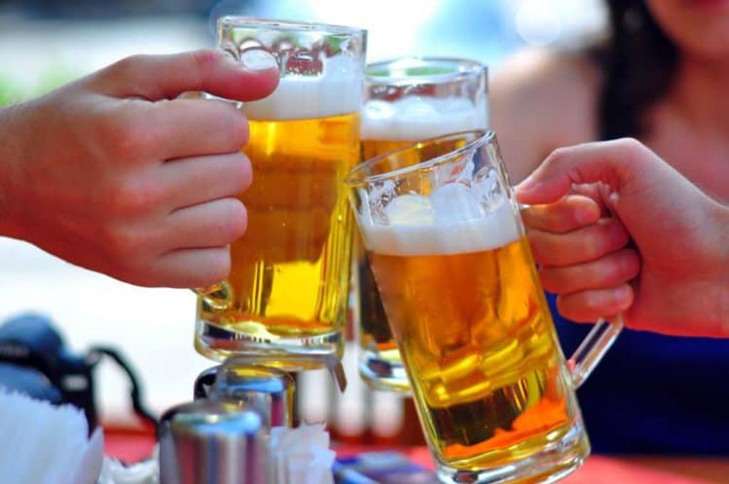 Tác hại của rượu bia đối với nam giới: Coi chừng bị rối loạn cương dương